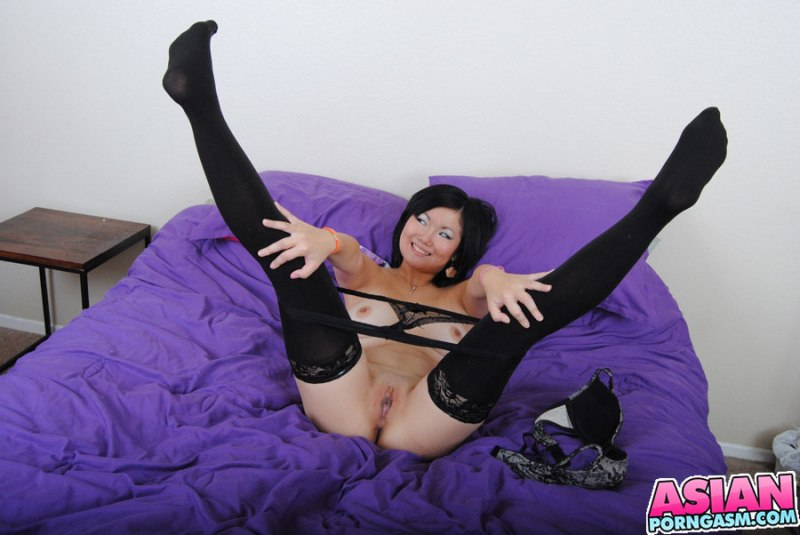 naked-japanese-stockings